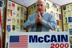 Senator John McCain speaking in Seneca, South Carolina, July 31, 1999